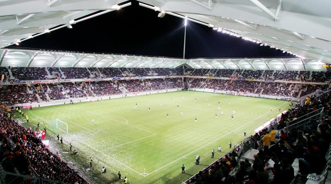 photo_stade_delaune_tribune_match.png